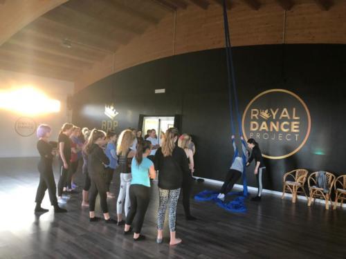 CORSI DI DANZA AEREA - ROYAL DANCE PROJECT